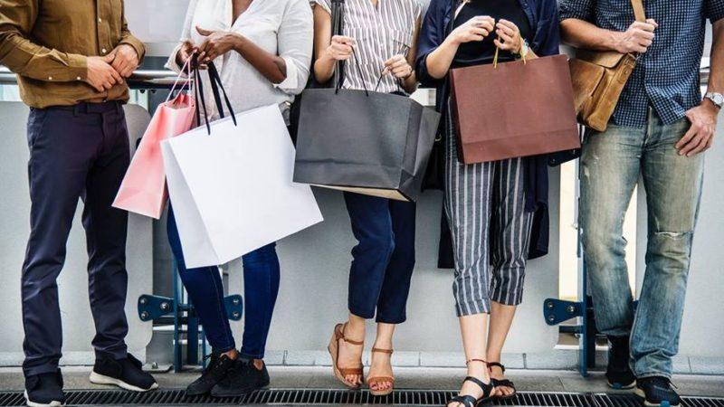 Nakupujte oblečení levně a zpohodlí domova